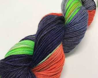 Hand Dyed Yarn Oddball Navy with Grey, Coral and Neon Green flashes 75/25% Superwash Merino/Tussah Silk 225m/100g Hank Mulesing Free