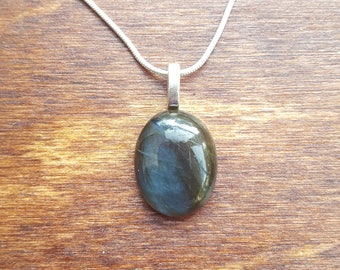 Labradorite silver necklace - gemstone necklace - birthstone necklace - gift necklace - birthday present - flashy labradorite - pendant - 38