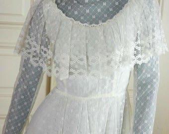1970s Wedding Dress, White Lace European Vintage Early 70s Wedding Gown, Prairie Dress Wedding, Bohemian Wedding: Size 6 US, Size 10 UK