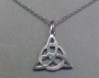 Celtic knot Triquetra Pendant in silver 925 with chain-Triquetra Celtic knot pendant sterling silver with chain