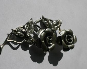 Carved Flower & Leaf Pin Brooch