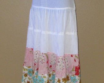 Vintage 1970s – 80s White BoHo, Gypsy, Hippie Skirt, Hidden Side Zipper
