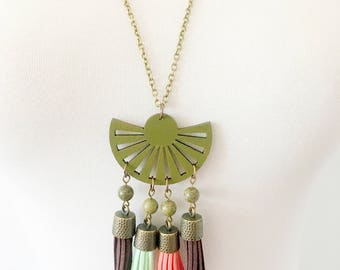 Bohemian necklace, boho necklace, green necklace, tassel necklace, colorful necklace, wooden necklace, bronze necklace, hand painted