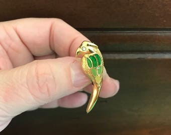 Vintage Parrot Pin. Green Enamel and Rhinestone Goldtone Parrot Pin. Figural Pin Jewelry. Bird Jewelry. Gifts for Her. birthday Gifts.