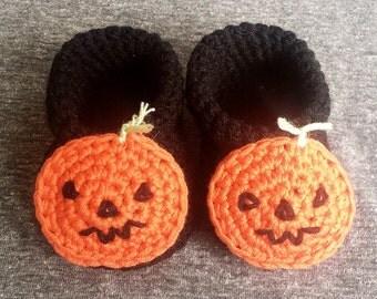 Halloween Booties | Baby Booties Crochet | Crochet Slipper| Handmade | Spooky Gift | Newborn Clothes | Halloween Baby | Pumpkin Baby Outfit