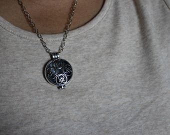 disc shape essential oil necklace