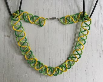 Green yellow seed bead necklace