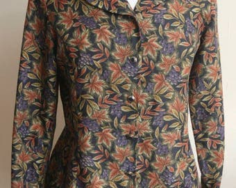 Pretty Leaf Pattern Shirt