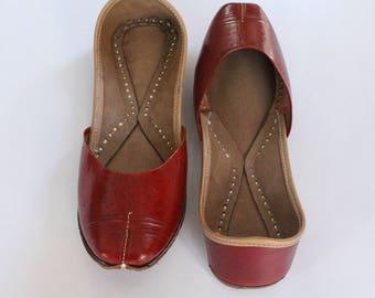Indian Leather Flat Shoes/Women Shoes/Punjabi Jutti/Tan Flat Shoes/Ballet Flats/Muslim Shoes/Handmade Bridal Khussa Women Sandals