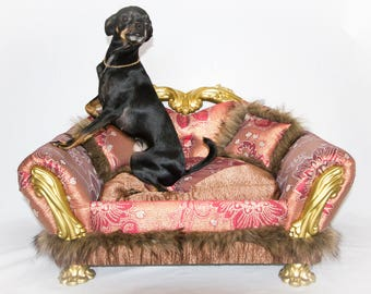 Couch for dogs or cats. The sofa bed is for dogs or cats
