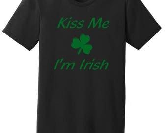 Women's Kiss Me I'm Irish T-shirt/Irish Gifts/Irish Tshirt/St Patricks Day Shirt Women/Kiss Me I'm Irish Shirt/Shamrock Shirt/Gifts For Her