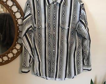 Vintage southwestern pearl snap button down shirt