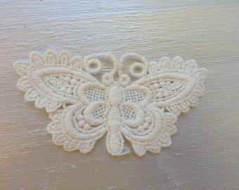 Beautiful Butterfly in guipure, finely worked, ecru