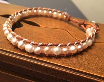 Gifts for her, unique bracelet, pearl and Leather, real pearls