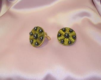 Clip on earrings of Hematite stone
