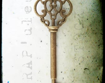 KEY, 7cm x 2.2 cm antique bronze, sold individually