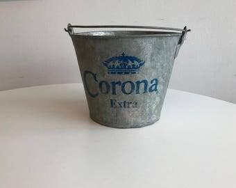 CORONA Extra advertising ice-cap