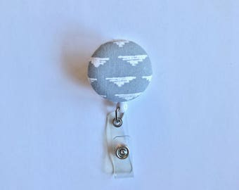 Gray/White Triangle Cloud Badge Reel