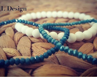 Set of 3 crystal beads bracelet shiny blue and white. For women and men.