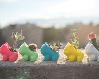 Bulbasaur  Pokemon / planter / pot / vase
