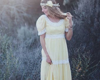 Vintage 1960s Long Yellow & White Lace Dress
