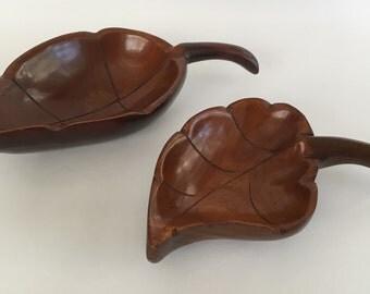 Vintage Set of 2 Mahogany Wood Leaf Shaped Serving Nut Bowls Curved Handle