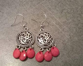Handmade earrings with drops roses