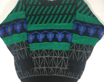 Vintage 90s Dynamite Women's Black and Green Sweater Size Medium