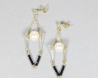 Pearl Earrings-Black and White Dangle Earring-Elegant Jewelry-Classic Drop Earrings-Gift for mom-Bride Jewelry