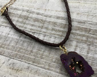Agate Pendant & Suede Necklace