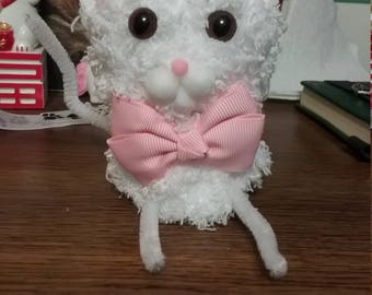 White pompom kitty with pink bow