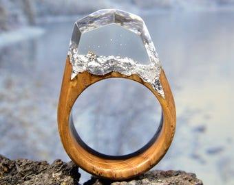 Resin and wood ring Oak ring Handmade wood ring Woman wood ring Wooden ring Wood fashion jewelry Epoxy resin rings Wood resin Magic ring