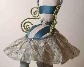 Fairy Furniture, Cute chair made of antique fabrics, green wire, ribbon and mounted on a base, very colorful!