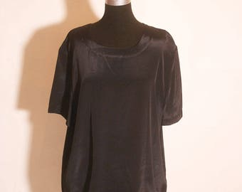 Vintage 1980s Loose Fitting Black Short Sleeve Blouse size XL