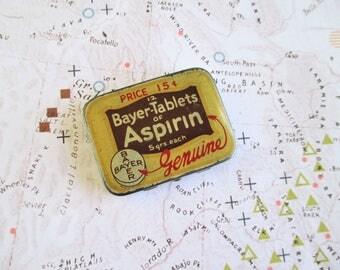 Little Vintage Bayer Tablets Tin