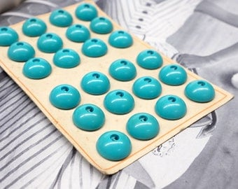24 Teal vintage buttons on card - 18mm - 60s buttons - turquoise buttons - plastic buttons - sewing buttons - crafting buttons
