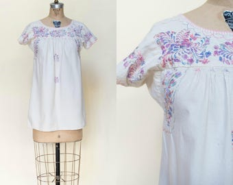 Vintage Mexican Blouse --- 1970s Embroidered Top