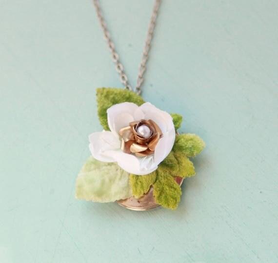 Upcycled vintage locket, Flower pendant necklace, Gold vintage locket necklace, Unique bridal necklace, Botanical wedding, Gift for her