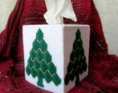 Christmas Tissue Box Cover, Kleenex Cover, Tissue Box Holder, Christmas Decoration, Holiday Decor, Plastic Canvas Tissue Box Cover