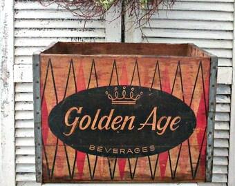 RaRe ViNTaGe 1970's WooDeN GOLDEN AGE BEVERAGES CRaTe