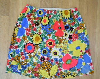 Vintage Colorful Floral Ladybug Half Slip XS/S // extra small 1960s 1970s 60s 70s retro lingerie mini skirt bright rainbow