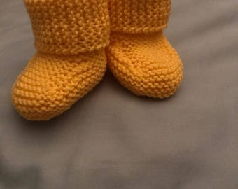 Baby booties -knit -0 to 6 month size