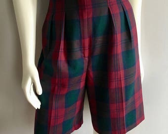 Vintage Women's 80's Plaid Wool Shorts, High Waisted, Pleated (S/M)