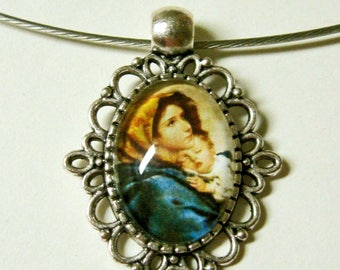 Madonna of the streets necklace - AP01-116