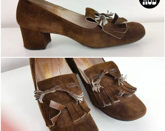 Iconic Vintage 60s 70s Chocolate Brown Suede Mod Loafer Heels Oxfords Shoes with Rounded Toe and Fringe
