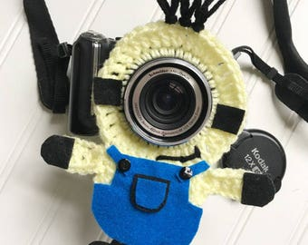 Minion Camera lens buddy, in stock ready to ship.  Crochet camera critter minion, shutter buddy,  Photography prop, minions, despicable me