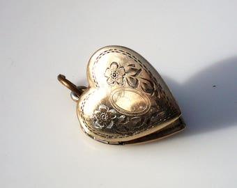 Mid Century Gold Heart Sweetheart Locket