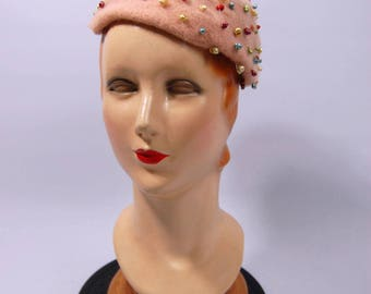 1950s Pink Wool Beret Hat // Colorful Painted Seashell embellished