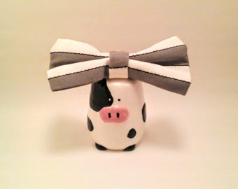 Gray and white striped girls hair bow, classic pattern hair bow, little hair bow