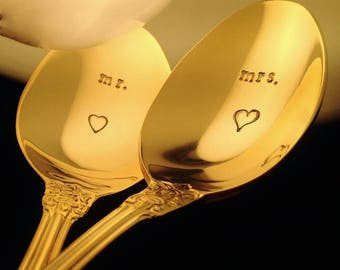 Wedding Spoons, GOLD Hand Stamped Flatware Silverware, Anniversary Gift Set, NEW Cake Spoons, Rustic Glam, Wedding Day Table Decor, Mr Mrs